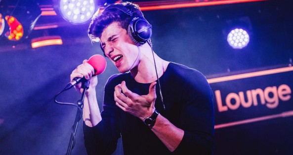 Shawn Mendes covers Drake's 'Fake Love' in the BBC Radio 1 Live Lounge / VevoShawn Mendes covers Drake's 'Fake Love' in the BBC Radio 1 Live Lounge / Vevo
