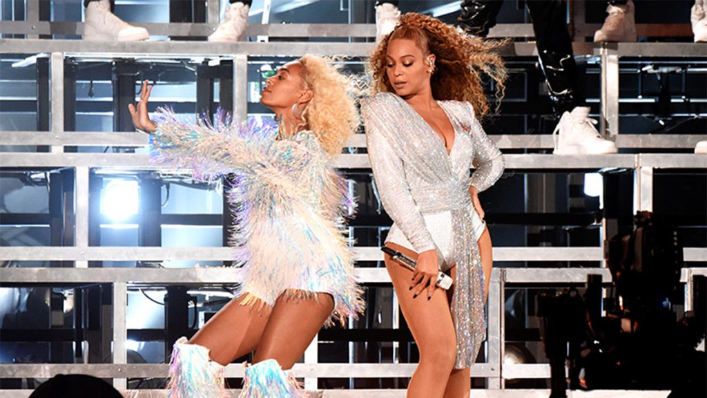 beyonce and solange on stage at second weekend of coachella