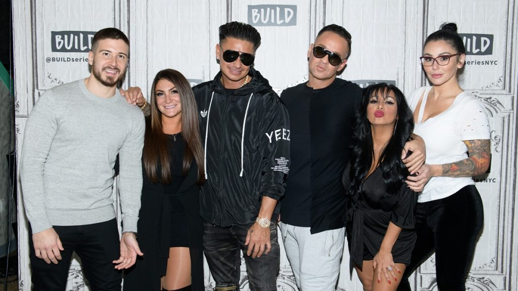 """NEW YORK, NY - APRIL 05: (L-R) Vinny Guadagnino, Deena Nicole Cortese, Paul """"Pauly D"""" Delvecchio, Mike """"The Situation"""" Sorrentino, Nicole """"Snooki"""" Polizzi and Jenni """"JWOWW"""" Farley visit Build Series to discuss """"Jersey Shore Family Vacation"""" at Build Studio on April 5, 2018 in New York City. (Photo by Noam Galai/Getty Images)"""