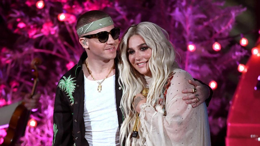 Macklemore and Kesha perform during the 2018 Billboard Music Awards at Toshiba Plaza on May 19, 2018 in Las Vegas, Nevada. (Photo by Ethan Miller/Getty Images for dcp)