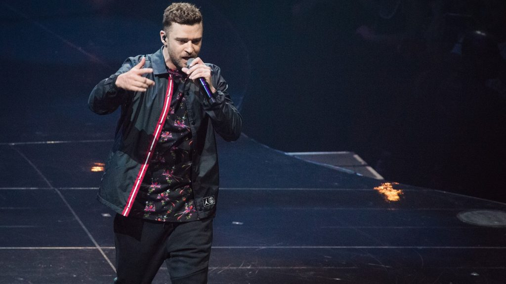 PARIS, FRANCE - JULY 03: (EDITOR'S NOTE: EDITORIAL USE ONLY) Justin Timberlake performs at AccorHotels Arena on July 3, 2018 in Paris, France.