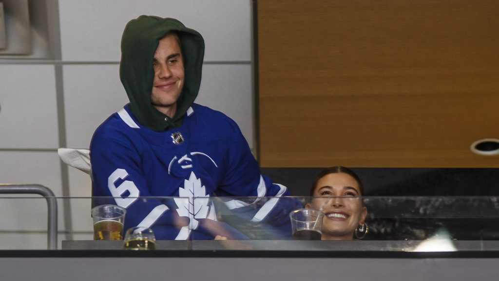 TORONTO, ON - NOVEMBER 24: Hailey Baldwin and Justin Bieber take in the Toronto Maple Leafs game against the Philadelphia Flyers at the Scotiabank Arena on November 24, 2018 in Toronto, Ontario, Canada. (Photo by Mark Blinch/NHLI via Getty Images)